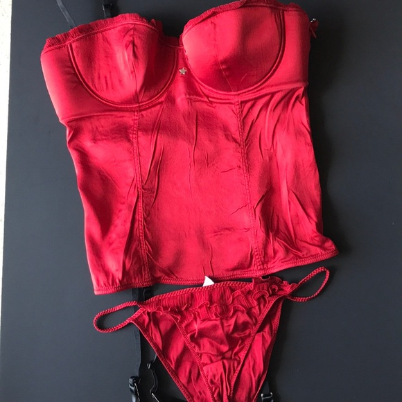 intimissimi Other - Red lingerie set. NWOT. cca7b69c0
